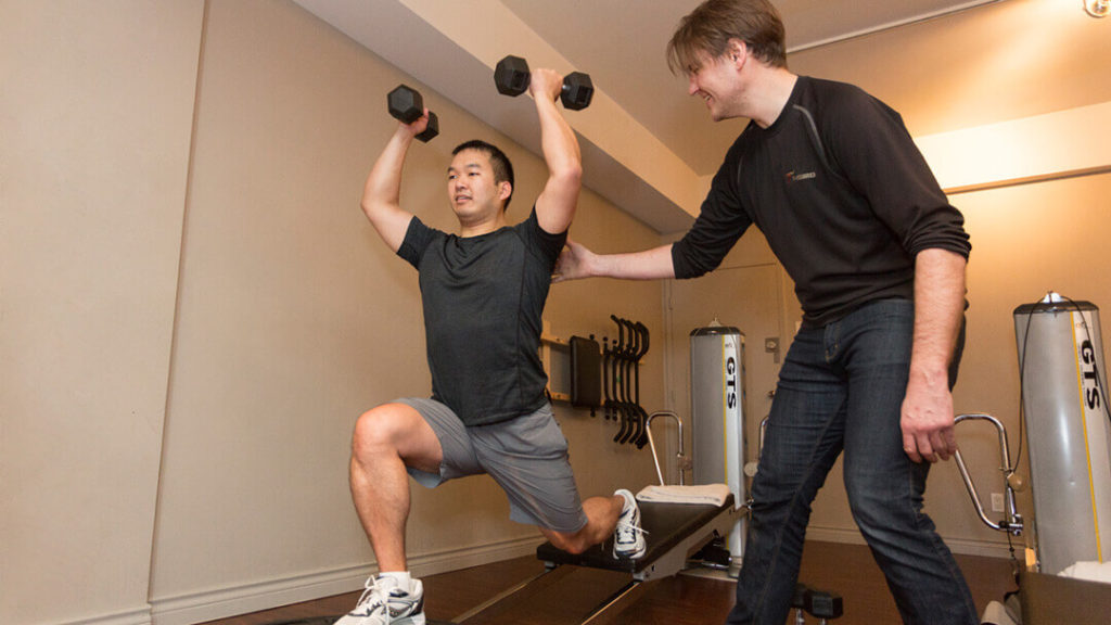 Hiring a Personal Trainer to Lose Weight and Gain Muscle